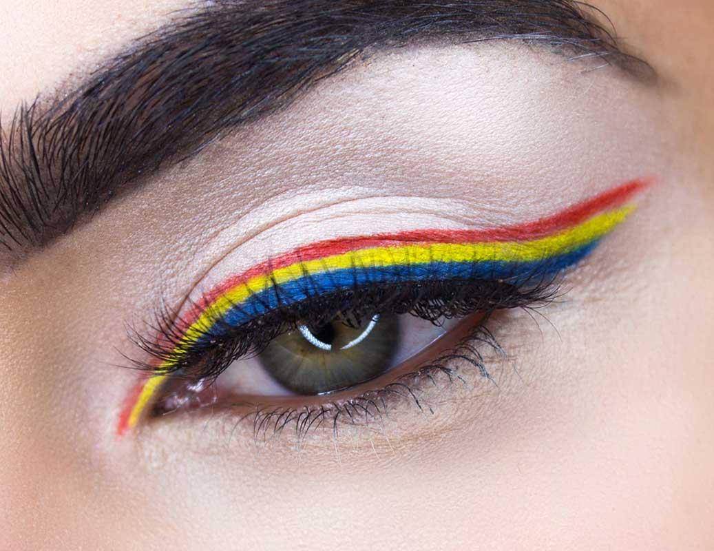 9 Idei Creative de Eyeliner 1