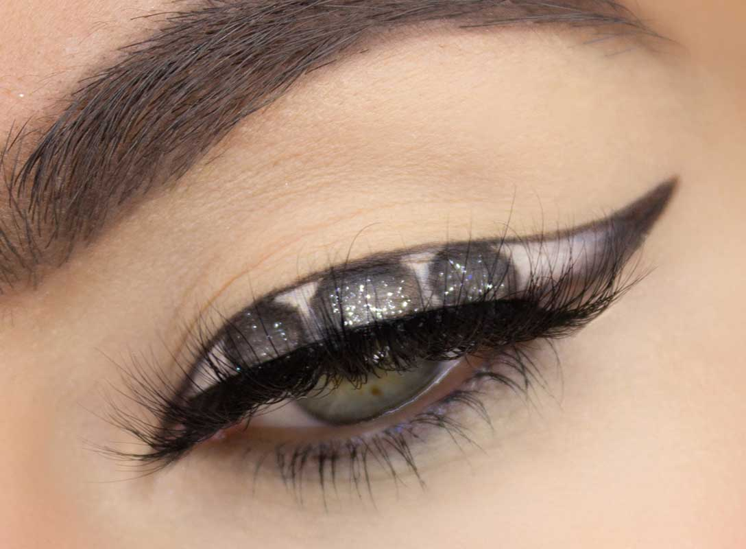 9 Idei Creative de Eyeliner 2