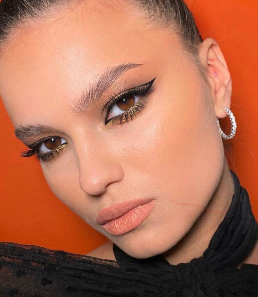 Eyelinerul - 8 stiluri diferite de eyeliner. Pe care îl preferi? 3