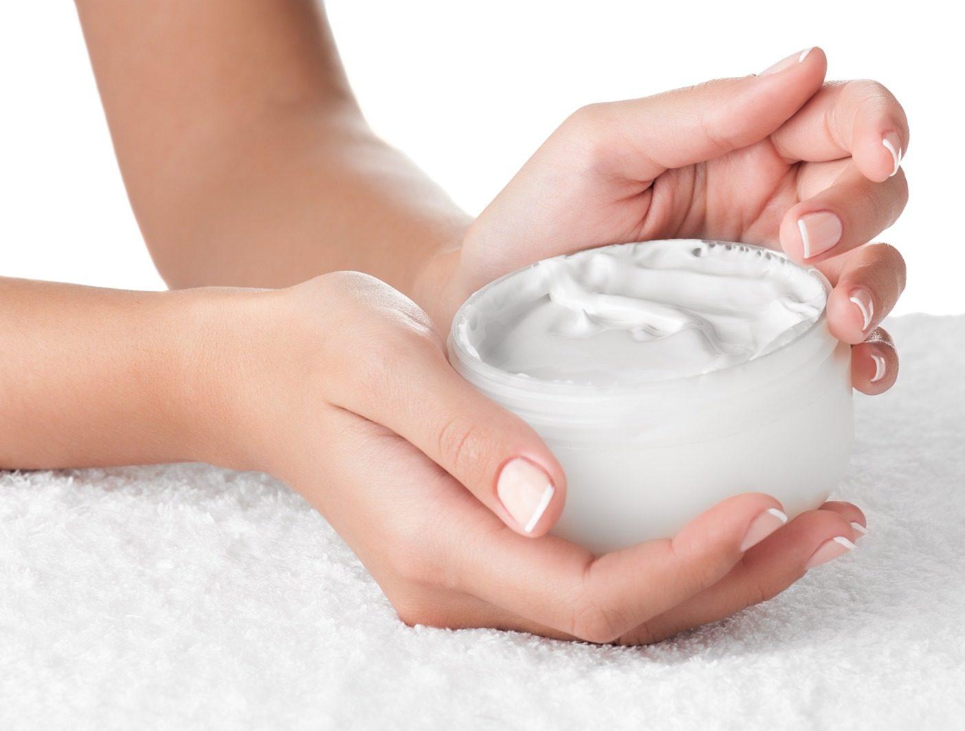 Cum ne hidratăm pielea mâinilor în perioada izolării? 2