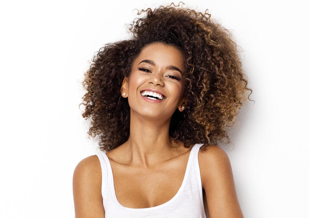 Cum ne îngrijim părul deteriorat iarna? 3