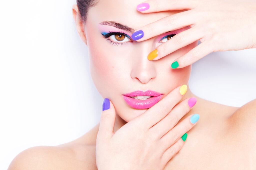 Cum alegem culoarea unghiilor în funcție de subtonul pielii? 1