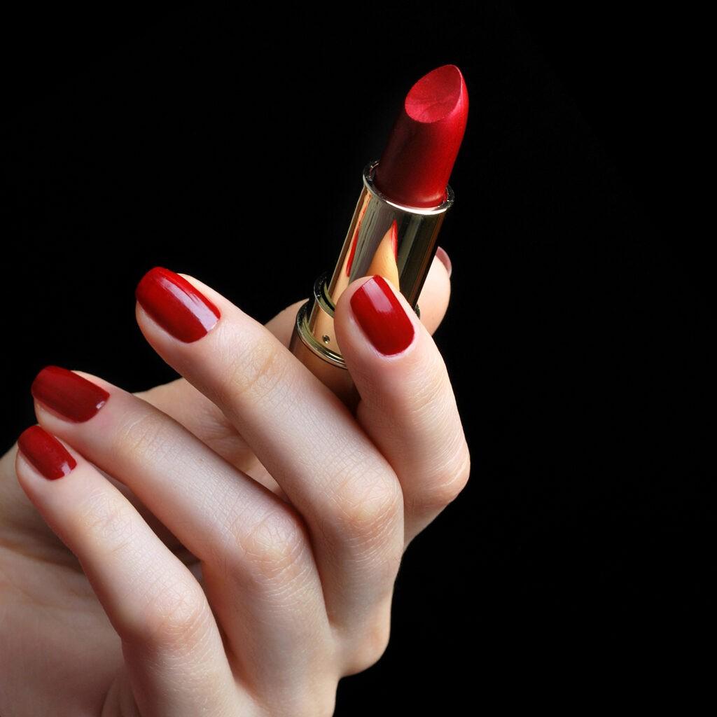 Rujul roșu - produsul cosmetic nemuritor 13