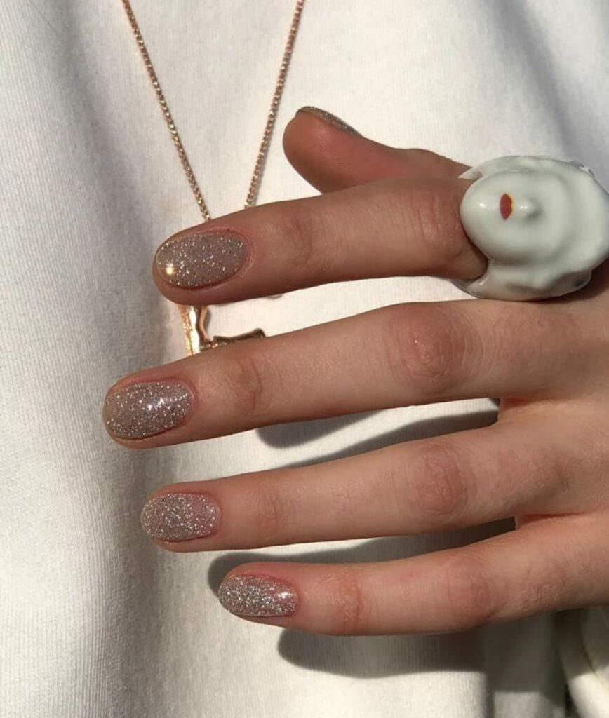 Formele unghiilor: cum alegem forma potrivită? 3