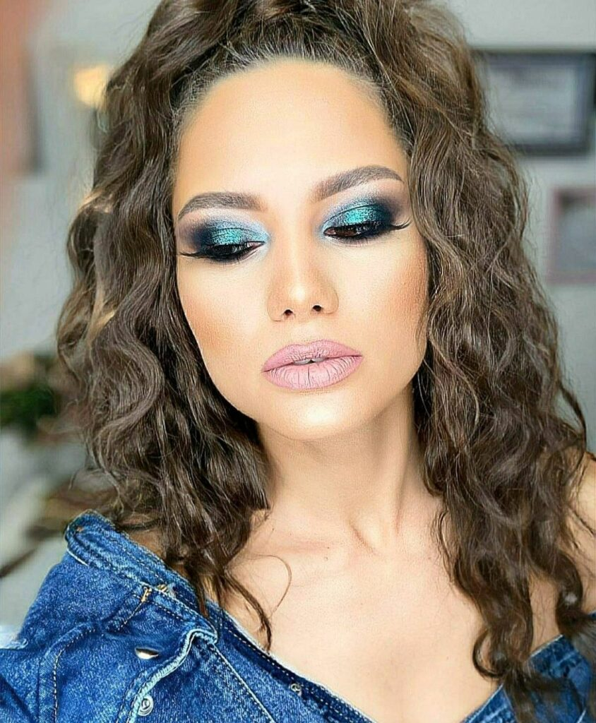 Cum să fim Make-up Artiști și Lash-Artiști în același timp? 2