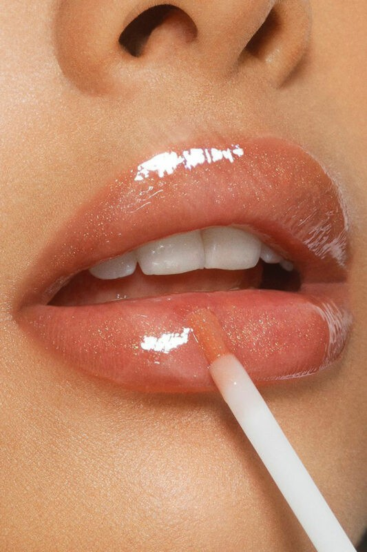 Ce aspecte trebuie să avem în vedere atunci când machiem buzele? 10