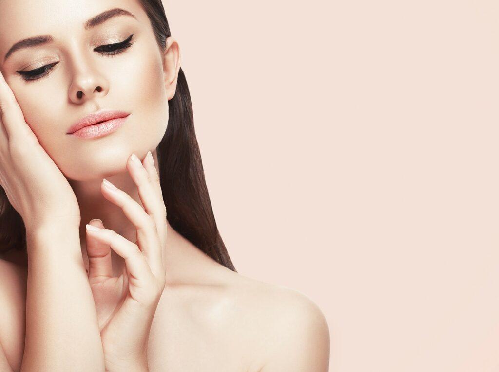 Cum ne îngrijim pielea gâtului? 1